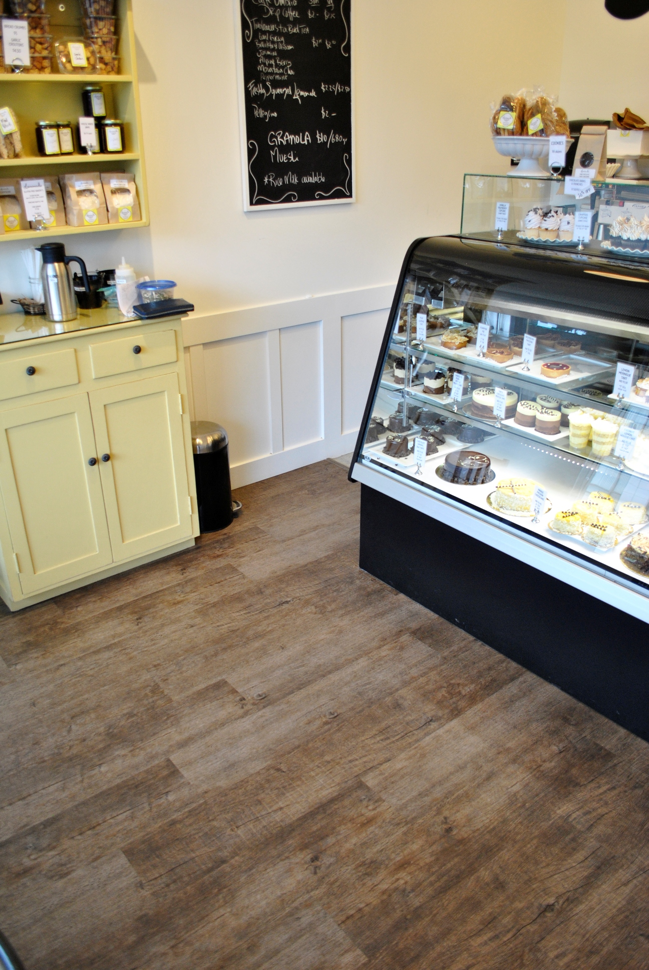 Eco_Floor_Store_Lemonade_Bakery
