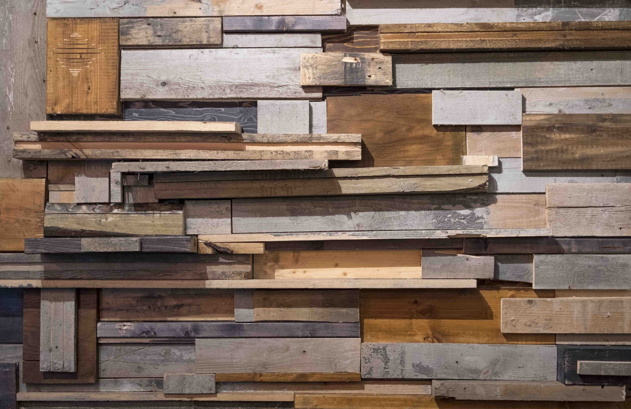 Reclaimed Wood Walls Eco Friendly And Chic Eco Floor Store